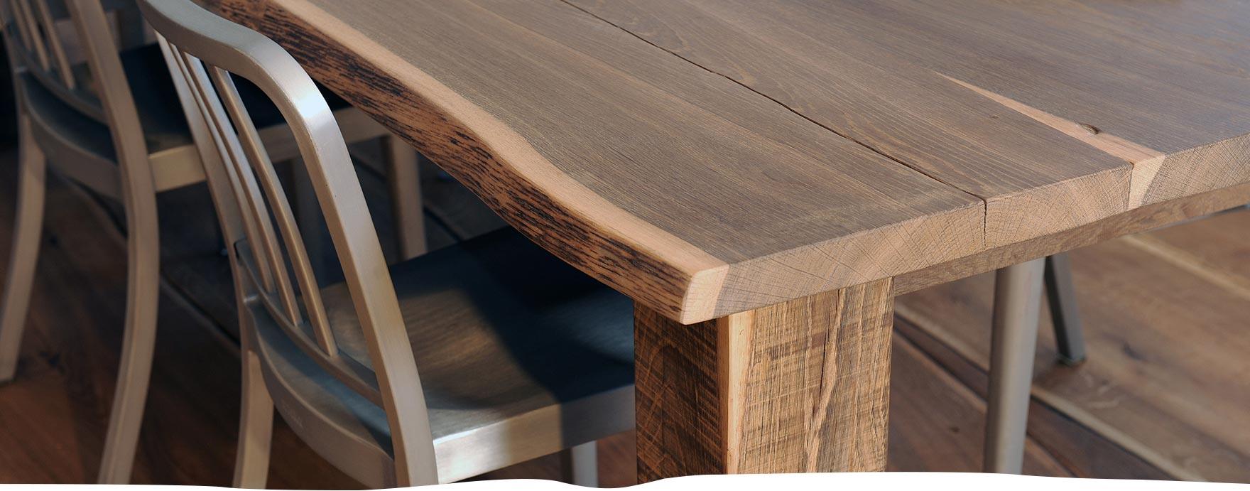 Massief eiken boomstamtafel met houten poten op maat gemaakt - De Hout Snip