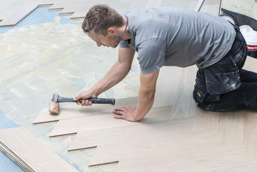 Weense punt duoplank op vloerverwarming