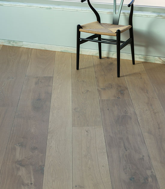 Wisselende breedtes duoplank vloer met vloerverwarming