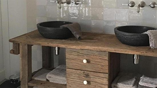 Oud eiken wastafel op maat